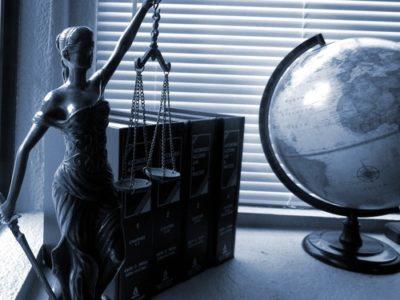sennik adwokat